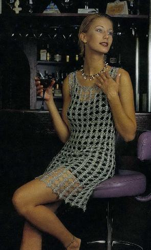Вязать модное платье спицами